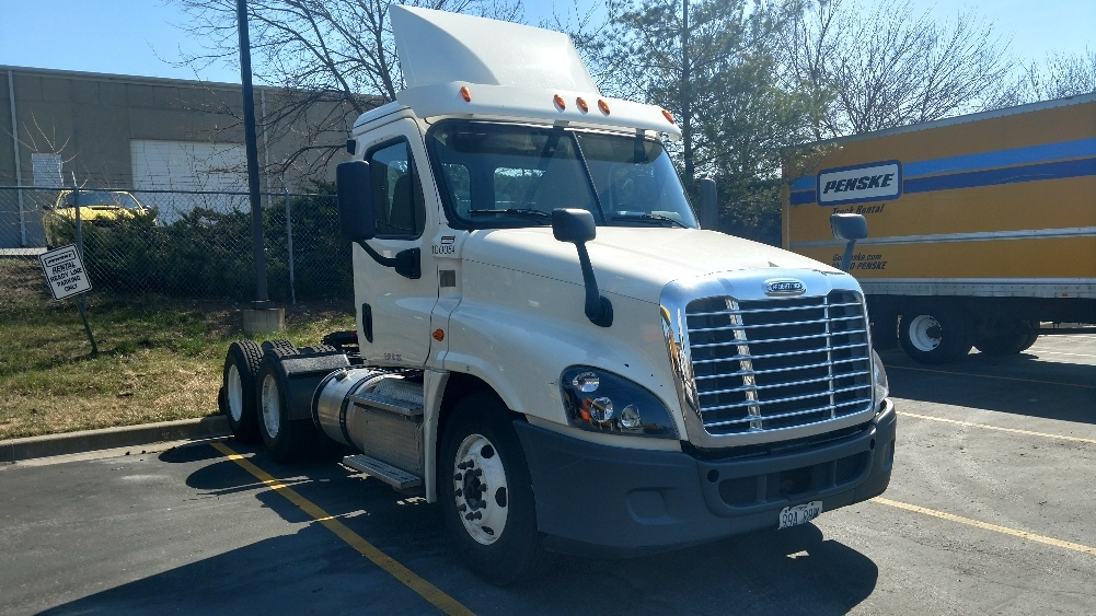 Day Cab Tractor-Heavy Duty Tractors-Freightliner-2015-Cascadia 12564ST-MEMPHIS-TN-260,020 miles-$67,500