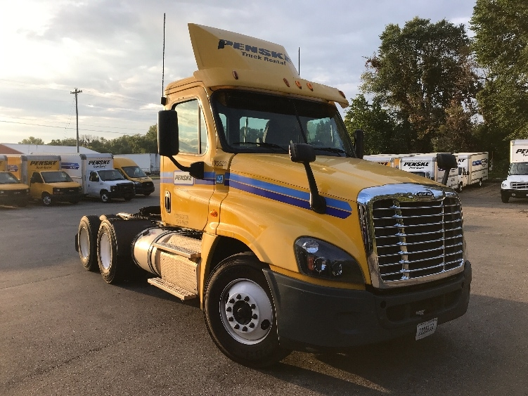 Day Cab Tractor-Heavy Duty Tractors-Freightliner-2015-Cascadia 12564ST-KENTWOOD-MI-271,843 miles-$43,750