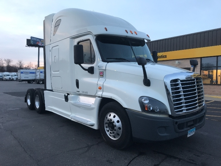 Sleeper Tractor-Heavy Duty Tractors-Freightliner-2015-Cascadia 12564ST-CHICOPEE-MA-306,262 miles-$73,500
