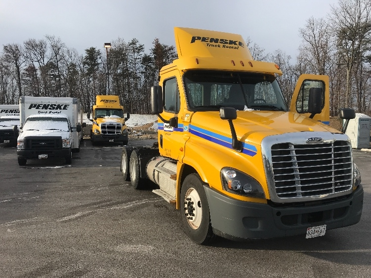Day Cab Tractor-Heavy Duty Tractors-Freightliner-2015-Cascadia 12564ST-JESSUP-MD-333,187 miles-$46,750