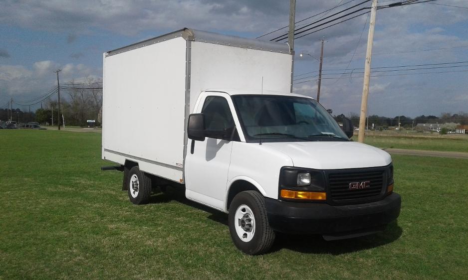 Light Duty Box Truck-Light and Medium Duty Trucks-GMC-2014-Savana G33503-DOTHAN-AL-145,988 miles-$17,750