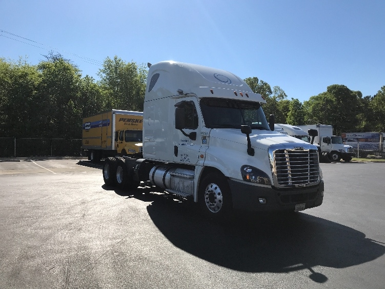 Sleeper Tractor-Heavy Duty Tractors-Freightliner-2015-Cascadia 12564ST-ALABASTER-AL-577,970 miles-$50,500