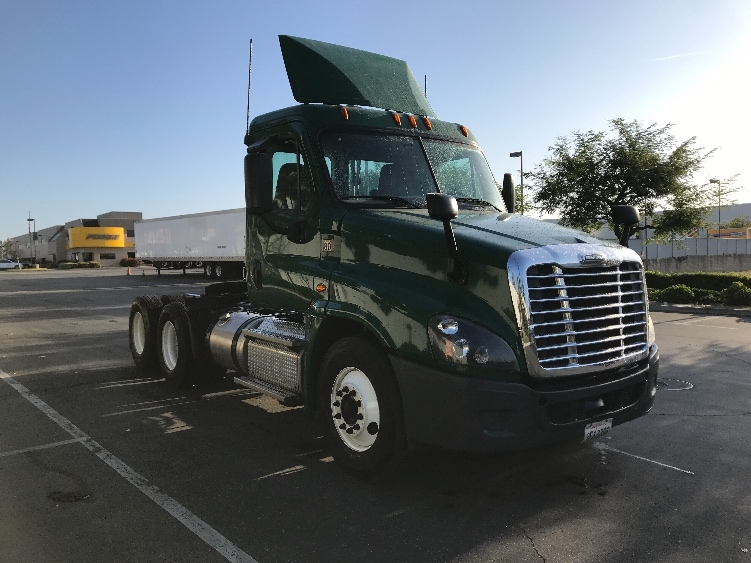 Day Cab Tractor-Heavy Duty Tractors-Freightliner-2015-Cascadia 12564ST-TORRANCE-CA-162,891 miles-$67,000