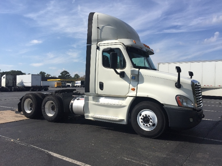 Day Cab Tractor-Heavy Duty Tractors-Freightliner-2015-Cascadia 12564ST-LITTLE ROCK-AR-718,037 miles-$41,250
