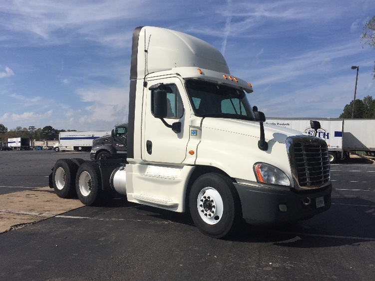 Day Cab Tractor-Heavy Duty Tractors-Freightliner-2015-Cascadia 12564ST-LITTLE ROCK-AR-758,952 miles-$39,500