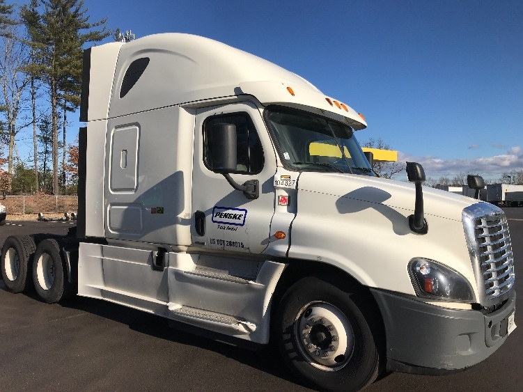 Sleeper Tractor-Heavy Duty Tractors-Freightliner-2015-Cascadia 12564ST-TAMPA-FL-588,096 miles-$41,000