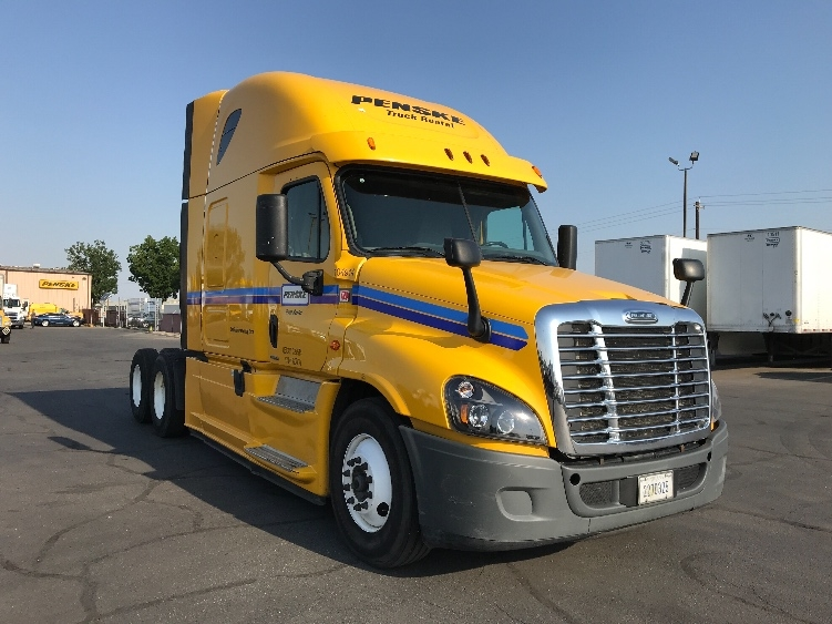 Sleeper Tractor-Heavy Duty Tractors-Freightliner-2015-Cascadia 12564ST-MEDLEY-FL-539,919 miles-$42,750