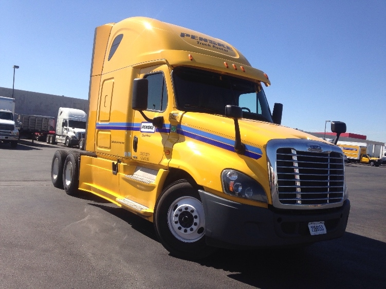 Sleeper Tractor-Heavy Duty Tractors-Freightliner-2015-Cascadia 12564ST-LAS VEGAS-NV-698,806 miles-$48,250