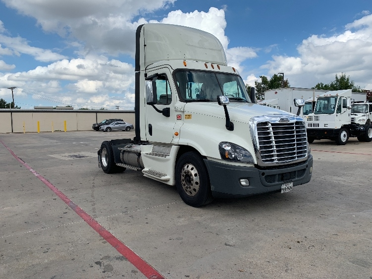 Day Cab Tractor-Heavy Duty Tractors-Freightliner-2015-Cascadia 12542ST-CARROLLTON-TX-625,841 miles-$46,000
