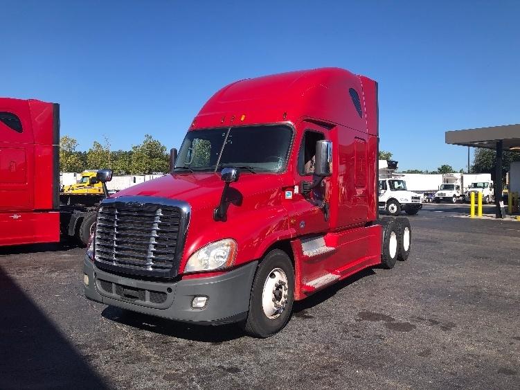 Sleeper Tractor-Heavy Duty Tractors-Freightliner-2015-Cascadia 12564ST-JACKSONVILLE-FL-616,113 miles-$35,750