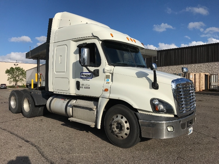 Sleeper Tractor-Heavy Duty Tractors-Freightliner-2015-Cascadia 12564ST-KANSAS CITY-MO-503,322 miles-$46,000