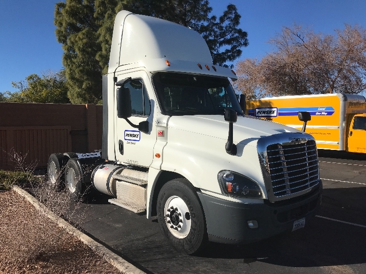 Day Cab Tractor-Heavy Duty Tractors-Freightliner-2015-Cascadia 12564ST-PHOENIX-AZ-640,748 miles-$47,250