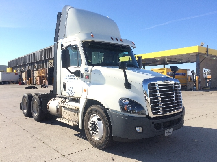 Day Cab Tractor-Heavy Duty Tractors-Freightliner-2015-Cascadia 12564ST-PHOENIX-AZ-691,262 miles-$44,250