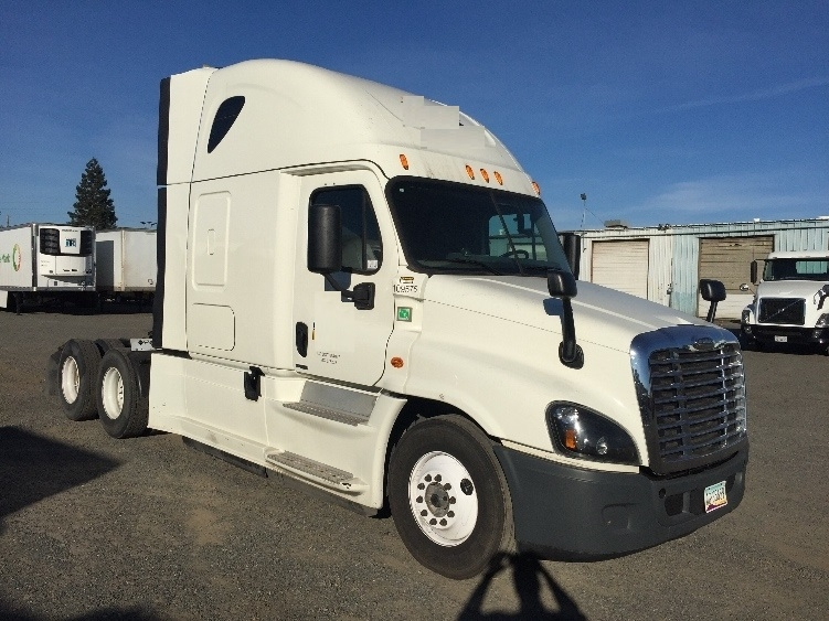 Sleeper Tractor-Heavy Duty Tractors-Freightliner-2015-Cascadia 12564ST-WEST VALLEY CITY-UT-423,500 miles-$66,500