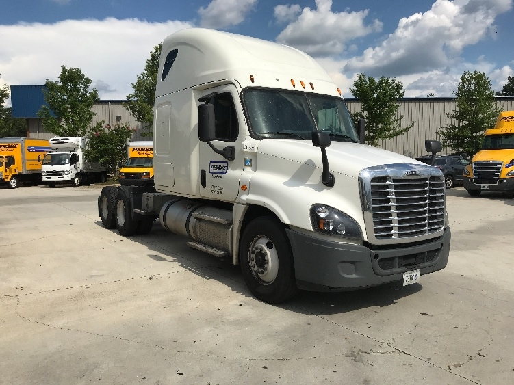 Sleeper Tractor-Heavy Duty Tractors-Freightliner-2015-Cascadia 12564ST-SAINT LOUIS-MO-477,744 miles-$45,250