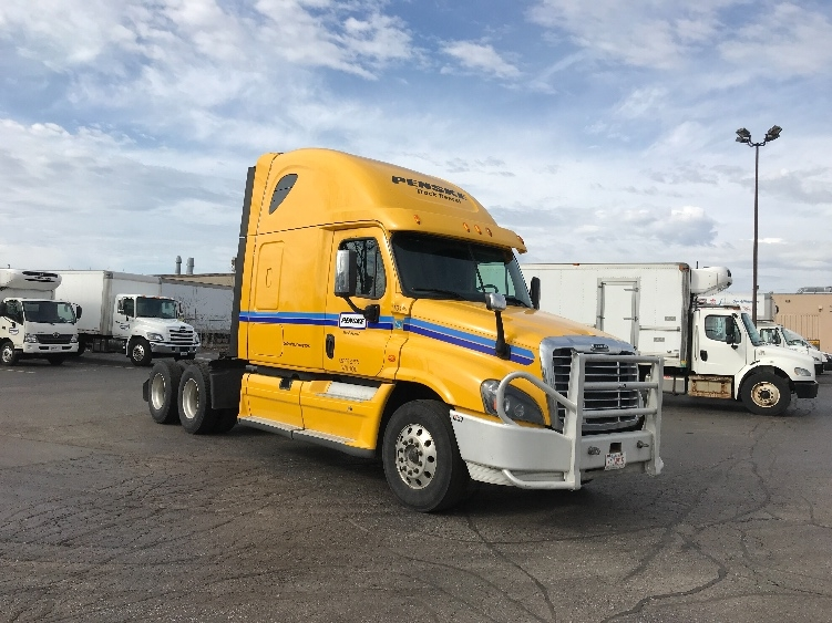 Sleeper Tractor-Heavy Duty Tractors-Freightliner-2015-Cascadia 12564ST-SCARBOROUGH-ON-704,327 km-$55,000