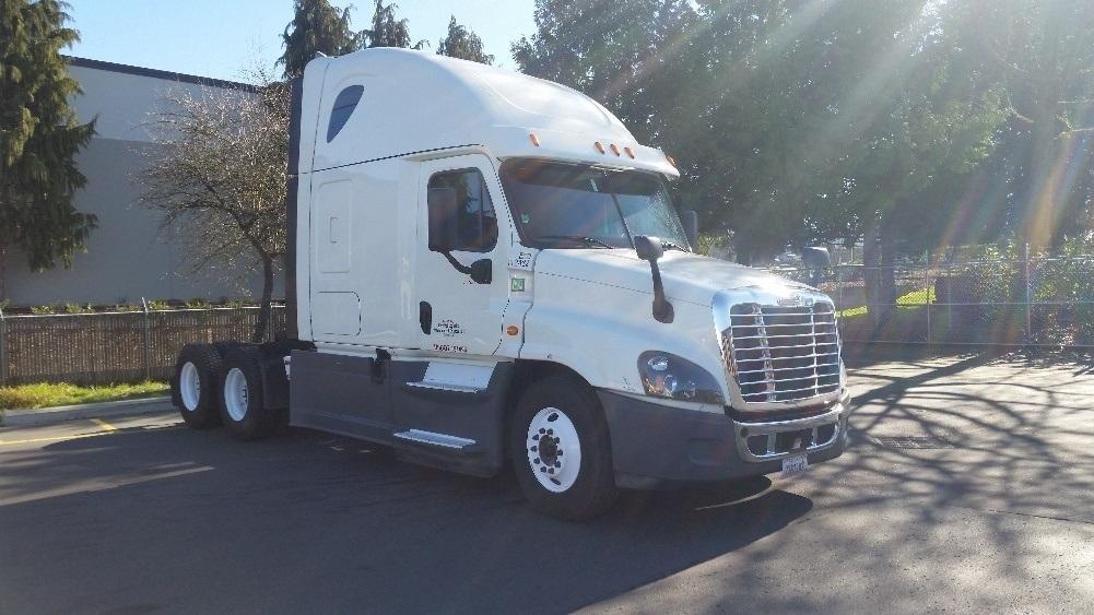 Sleeper Tractor-Heavy Duty Tractors-Freightliner-2015-Cascadia 12564ST-WILSONVILLE-OR-650,521 miles-$48,000