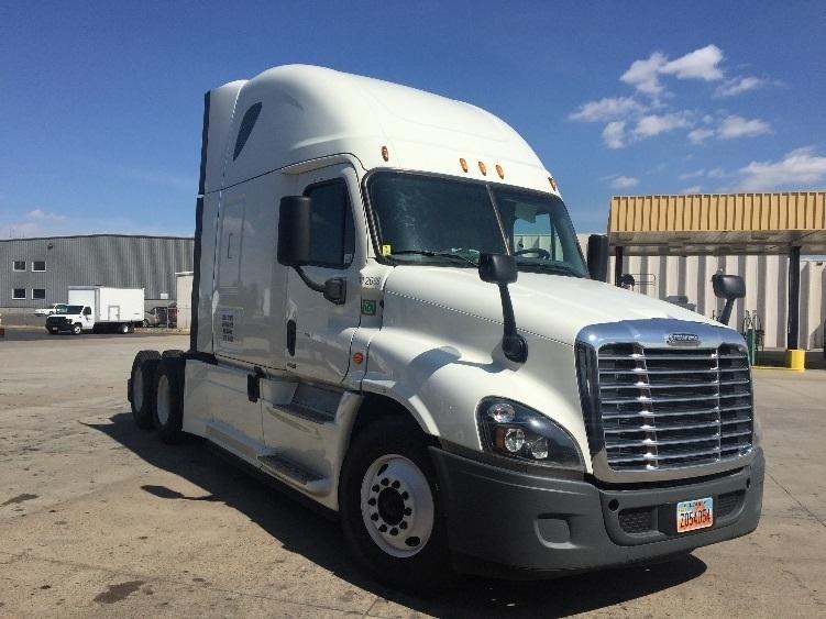 Sleeper Tractor-Heavy Duty Tractors-Freightliner-2015-Cascadia 12564ST-WEST VALLEY CITY-UT-777,867 miles-$46,500