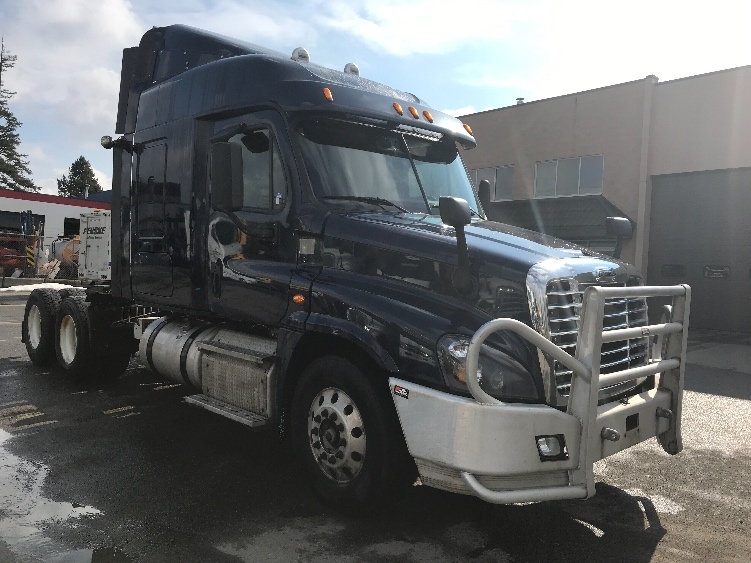 Sleeper Tractor-Heavy Duty Tractors-Freightliner-2015-Cascadia 12564ST-SURREY-BC-744,310 km-$38,750