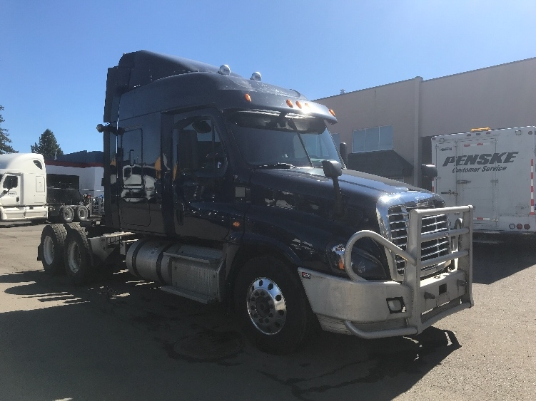 Sleeper Tractor-Heavy Duty Tractors-Freightliner-2015-Cascadia 12564ST-DELTA-BC-686,408 km-$46,750