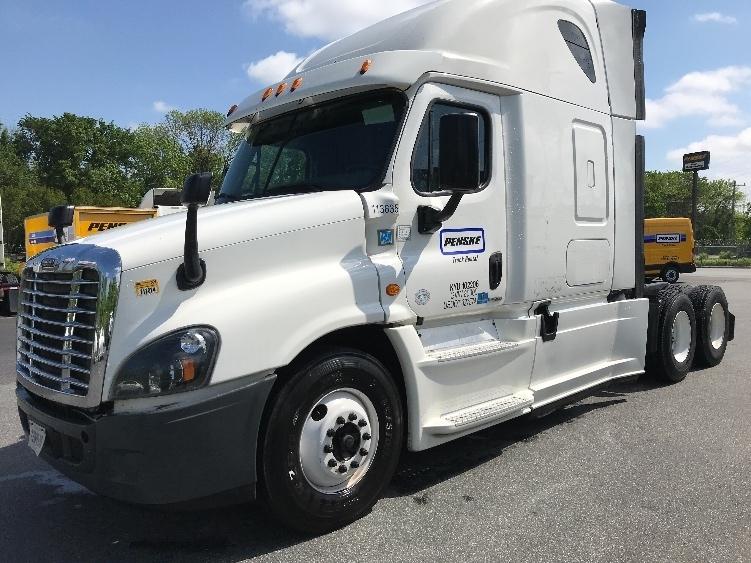 Sleeper Tractor-Heavy Duty Tractors-Freightliner-2015-Cascadia 12564ST-BATON ROUGE-LA-477,401 miles-$51,000