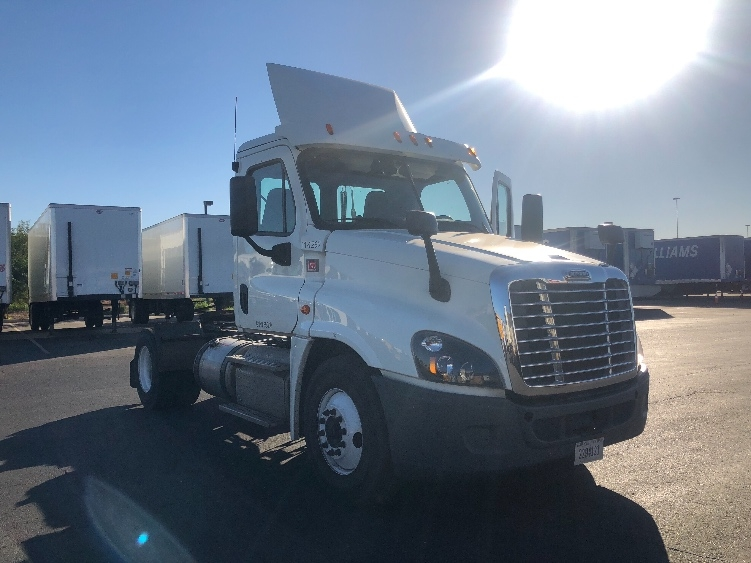 Day Cab Tractor-Heavy Duty Tractors-Freightliner-2015-Cascadia 12542ST-PHOENIX-AZ-181,580 miles-$70,250