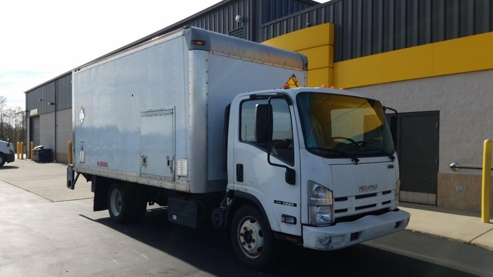 Medium Duty Box Truck-Light and Medium Duty Trucks-Isuzu-2015-NQR-WEST HAVEN-CT-171,281 miles-$25,250