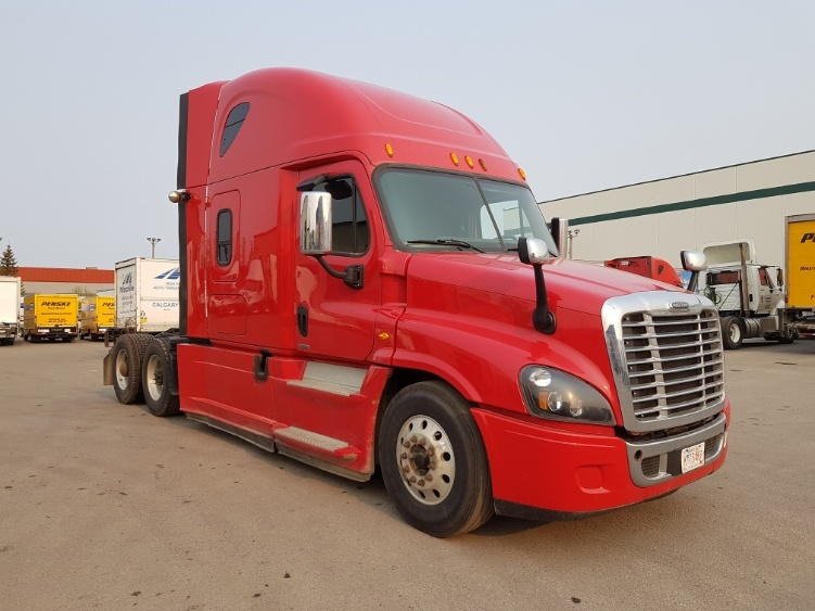 Sleeper Tractor-Heavy Duty Tractors-Freightliner-2015-Cascadia 12564ST-CALGARY-AB-812,957 km-$53,500