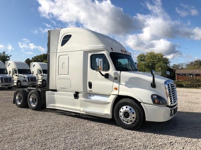 Sleeper Tractor-Heavy Duty Tractors-Freightliner-2015-Cascadia 12564ST-SOMERSET-KY-501,008 miles-$36,000