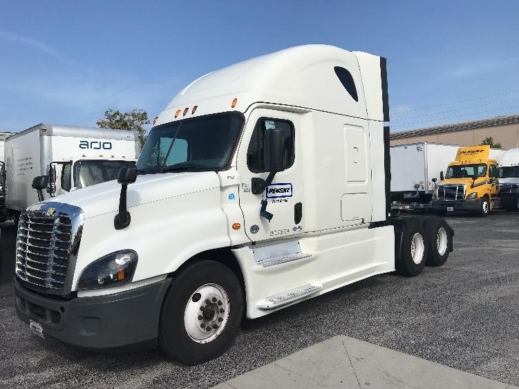 Sleeper Tractor-Heavy Duty Tractors-Freightliner-2015-Cascadia 12564ST-ORLANDO-FL-548,302 miles-$46,500