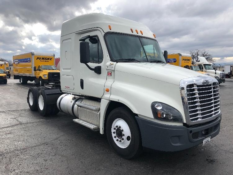 Sleeper Tractor-Heavy Duty Tractors-Freightliner-2015-Cascadia 12564ST-MUSKOGEE-OK-343,566 miles-$66,000