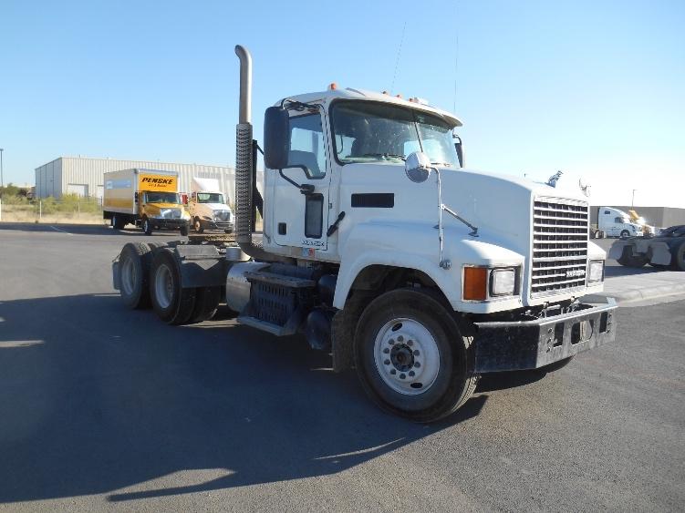 Day Cab Tractor-Heavy Duty Tractors-Mack-2015-CHU613-ODESSA-TX-151,599 miles-$52,000