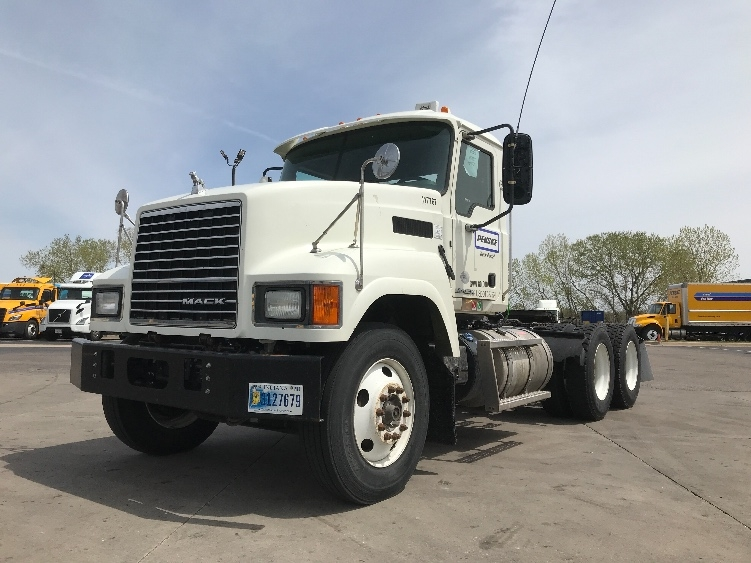 Used Day Cab Tractors For Sale In Tx Penske Used Trucks