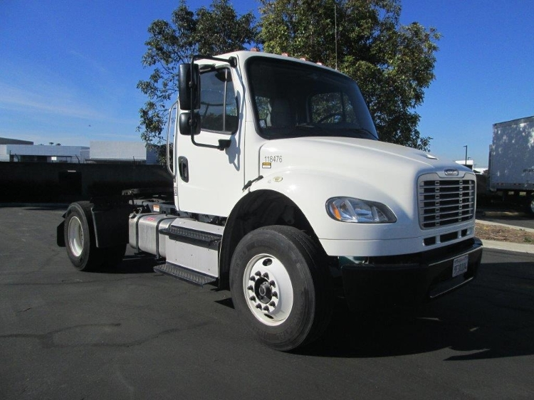 Day Cab Tractor-Heavy Duty Tractors-Freightliner-2015-M2-TORRANCE-CA-82,741 miles-$52,250