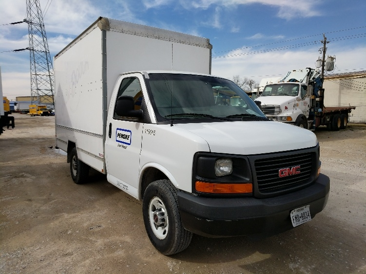 Light Duty Box Truck-Light and Medium Duty Trucks-GMC-2015-Savana G33503-HOUSTON-TX-75,850 miles-$25,250