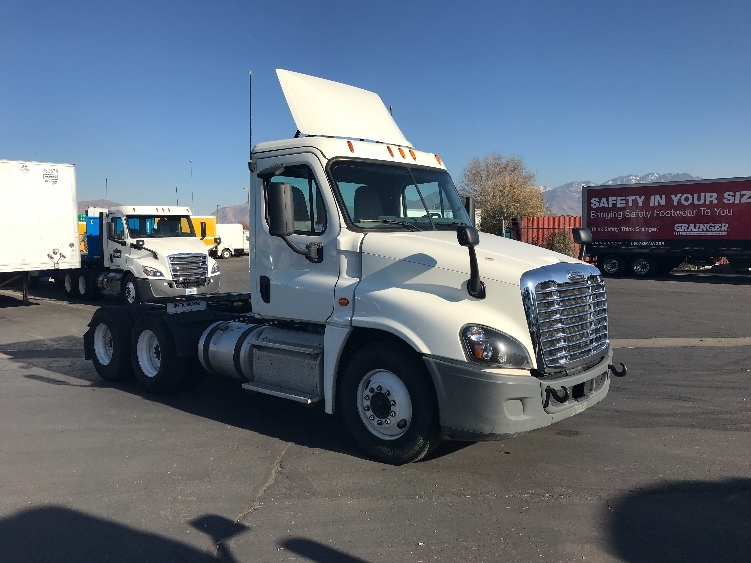 Day Cab Tractor-Heavy Duty Tractors-Freightliner-2015-Cascadia 12564ST-WEST VALLEY CITY-UT-470,664 miles-$46,000