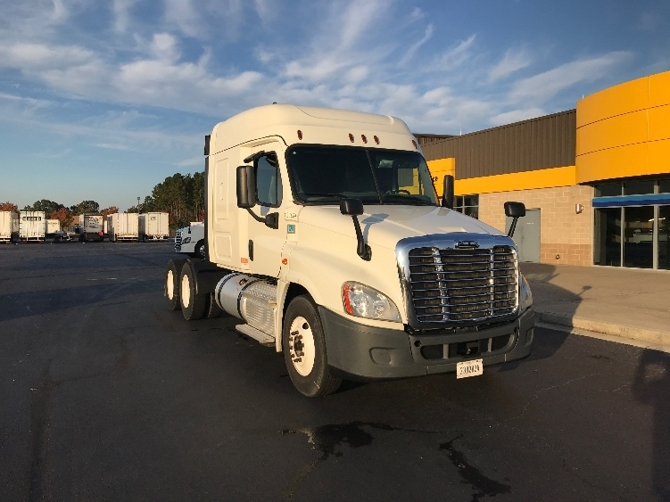Sleeper Tractor-Heavy Duty Tractors-Freightliner-2015-Cascadia 12564ST-AUGUSTA-GA-363,335 miles-$48,250