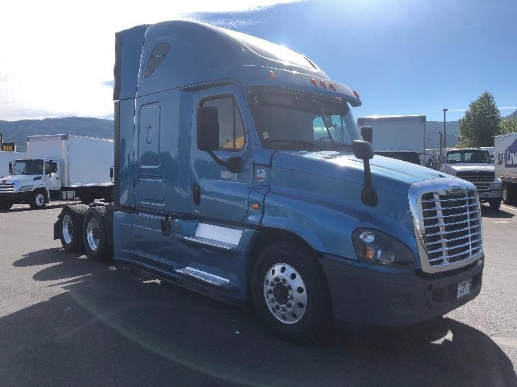 Sleeper Tractor-Heavy Duty Tractors-Freightliner-2016-Cascadia 12564ST-COBURG-OR-420,114 miles-$60,000