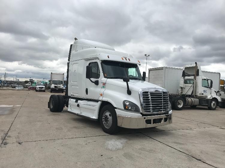 Sleeper Tractor-Heavy Duty Tractors-Freightliner-2015-Cascadia 12542ST-KANSAS CITY-MO-799,734 miles-$29,750