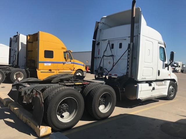 Sleeper Tractor-Heavy Duty Tractors-Freightliner-2015-Cascadia 12564ST-ALBUQUERQUE-NM-796,561 miles-$30,750