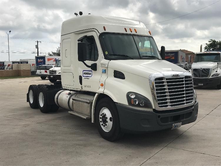 Sleeper Tractor-Heavy Duty Tractors-Freightliner-2015-Cascadia 11364ST-GRAND PRAIRIE-TX-236,728 miles-$54,000