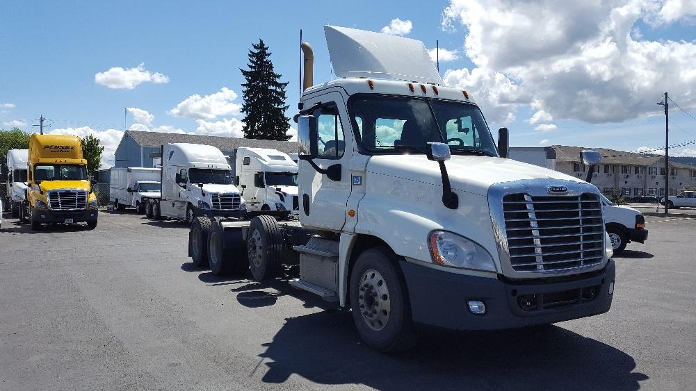 Day Cab Tractor-Heavy Duty Tractors-Freightliner-2016-Cascadia 12584ST-SPOKANE VALLEY-WA-422,788 miles-$70,250