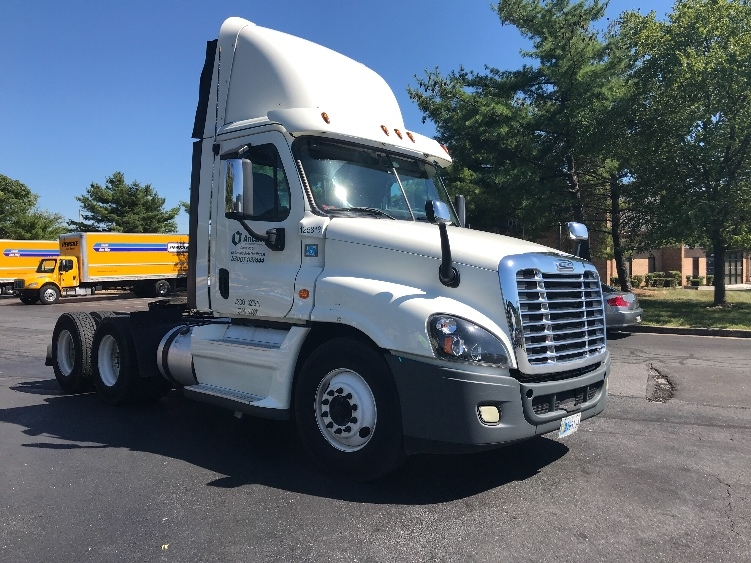 Day Cab Tractor-Heavy Duty Tractors-Freightliner-2016-Cascadia 12564ST-ESSEX-MD-342,070 miles-$54,750