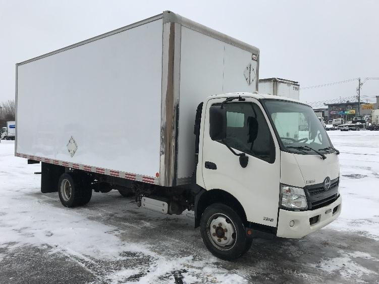 Medium Duty Box Truck-Light and Medium Duty Trucks-Hino-2015-195-MONTREAL-PQ-57,899 km-$41,750