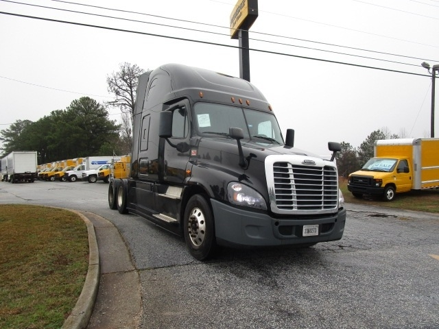 Sleeper Tractor-Heavy Duty Tractors-Freightliner-2016-Cascadia 12564ST-DULUTH-GA-329,596 miles-$70,750
