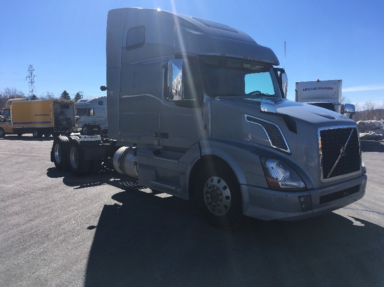 Sleeper Tractor-Heavy Duty Tractors-Volvo-2016-VNL64T670-MISSISSAUGA-ON-623,429 km-$75,000