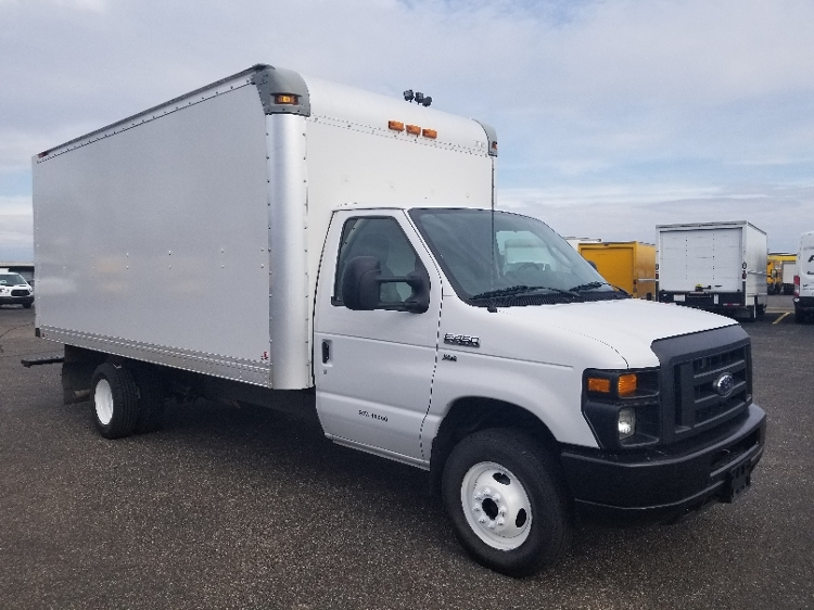 Light Duty Box Truck-Light and Medium Duty Trucks-Ford-2015-E450-ROSEVILLE-MN-121,308 miles-$14,500