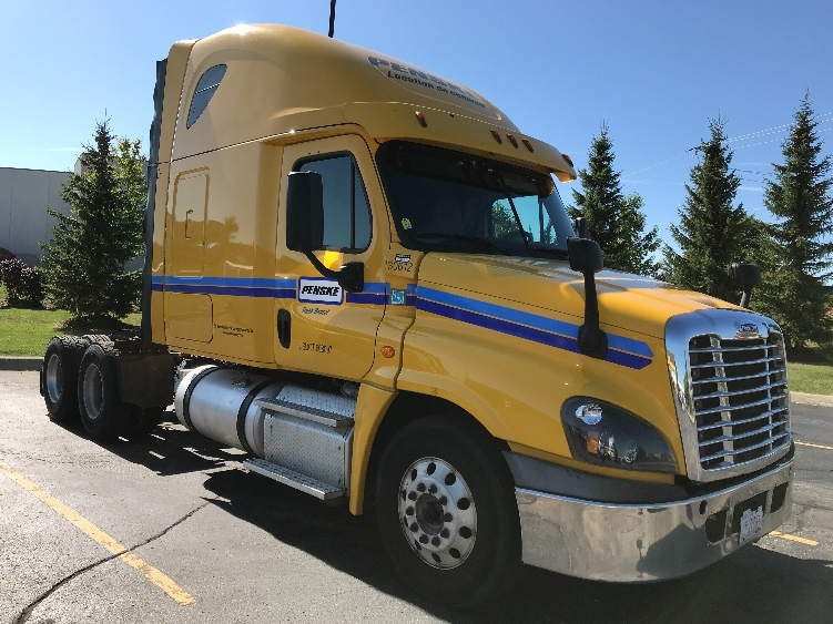 Sleeper Tractor-Heavy Duty Tractors-Freightliner-2016-Cascadia 12564ST-CAMBRIDGE-ON-679,142 km-$63,000