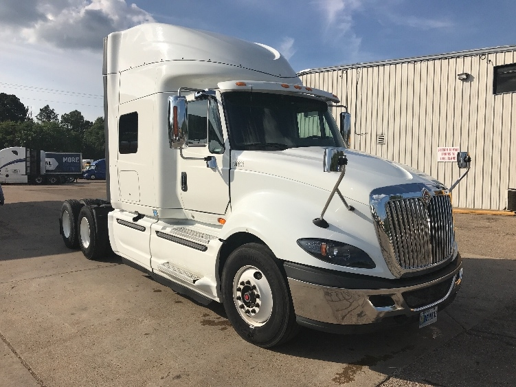 Used Sleeper Tractors For Sale in MS - Penske Used Trucks