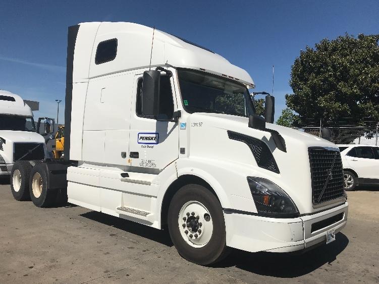 Sleeper Tractor-Heavy Duty Tractors-Volvo-2016-VNL64T670-WEST SACRAMENTO-CA-407,380 miles-$61,000